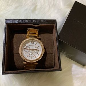 MICHEAL KORS watch !! AUTHENTIC!!